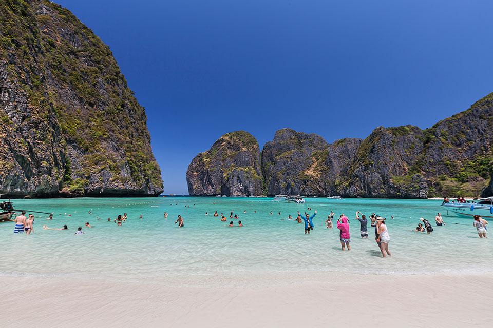 Phi Phi Tour By Big Boat (Phi Phi Cruiser)
