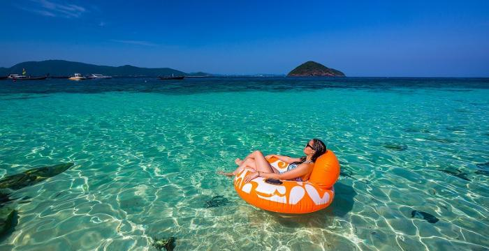 Banana Beach (Koh Hey) by Speed Boat