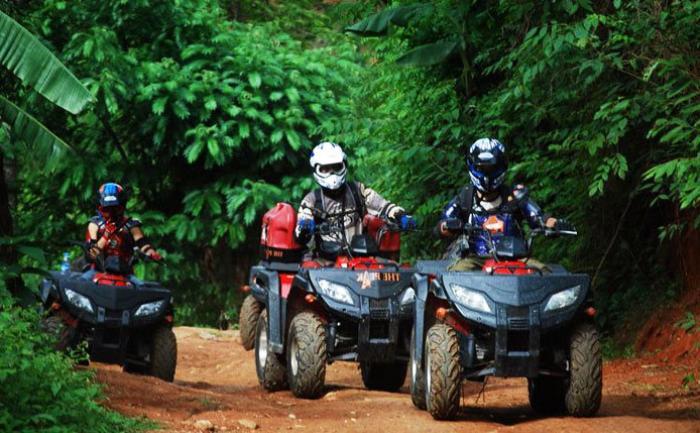 ขับรถตะลุยป่า ออฟโรด ยูทีวี กลางธรรมชาติ เชียงใหม่
