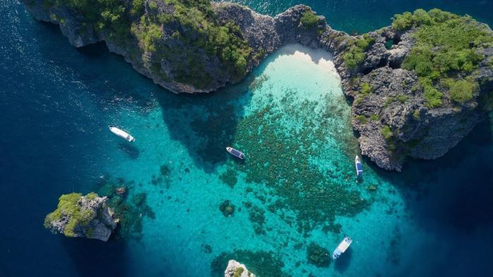 ทัวร์เกาะรอก + เกาะห้าโดยเรือสปีดโบ๊ท (เดินทางจากภูเก็ต)