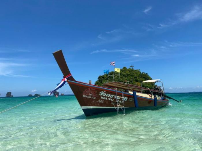 กระบี่ 4 เกาะ โดยเรือหางยาว