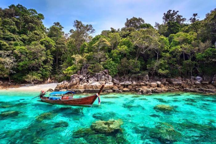 เที่ยวเกาะหลีเป๊ะ ดำน้ำโซนใน 5 เกาะ โดย เรือหางยาว