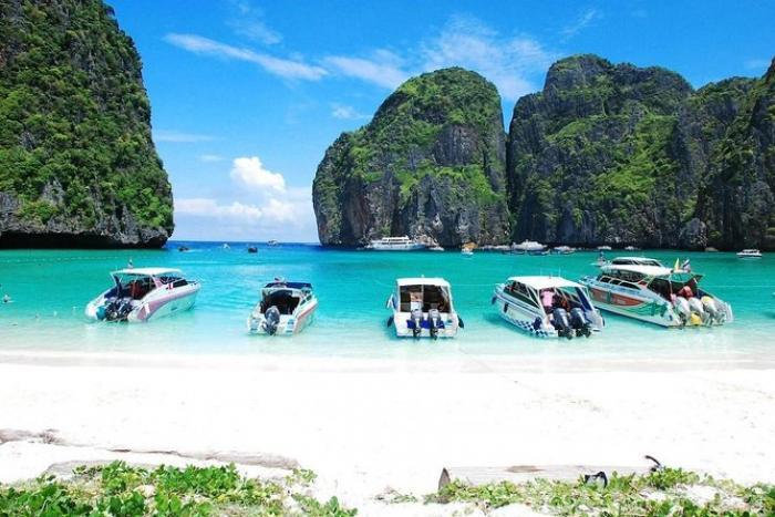 เกาะพีพี + เกาะไผ่ โดยเรือสปีดโบ๊ท (ซีสตาร์)